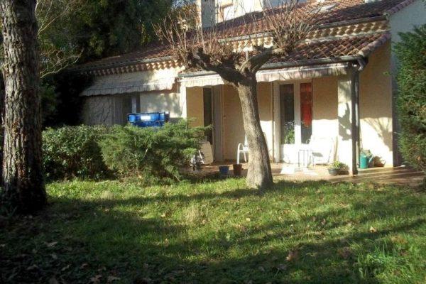 Maison de 105m² sur terrain arboré et clôt de 523m², proche centre ville de Montélimar...