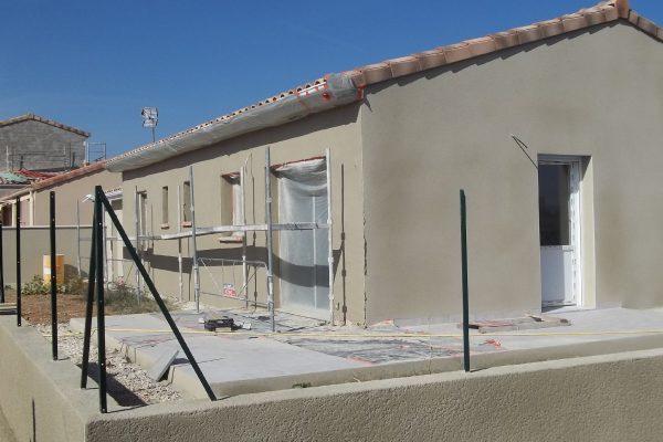 Maison à vendre à PIERRELATTE (DROME).  Maison neuve de plain pied d'une surface de 90 m²...