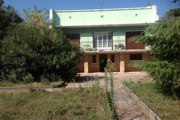 A vendre sur PIERRELATTE, maison d'habitation élevée d'un étage sur rez-de-chaussée, avec...