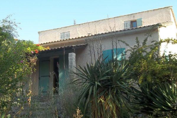 A VENDRE MAISON D'HABITATION sur 2853 m² de terrain à SAINT-PAULET-DE-CAISSON (GARD)....