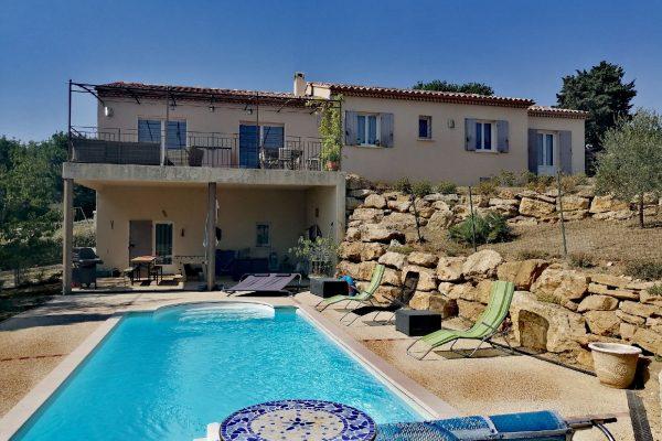 A vendre maison + appartement sur Canton de GRIGNAN (DROME)  Maison de 2011 sur 3000m² de...