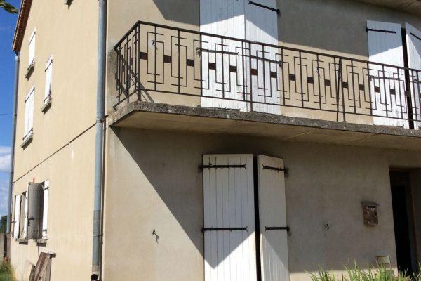 A PIERRELATTE DROME- Maison familiale à la campagne, 7 pièces, sur 4992m² de terrain....