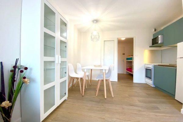 Au GRAU-DU-ROI (GARD), Port Camargue, studio meublé entièrement refait à neuf, en...